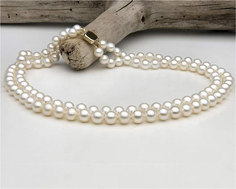 Double strand pearl necklace at SelecTraders