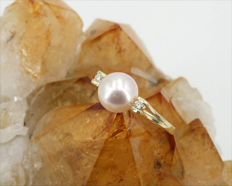 Rare Pearl Jewellery at SelecTraders