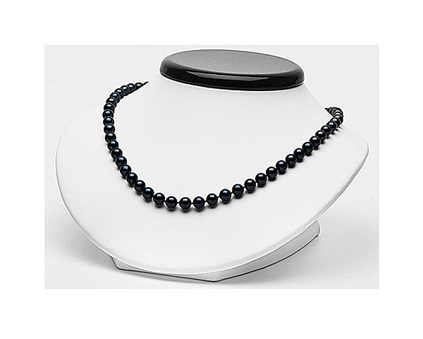 Favorable pearl necklace of selectraders