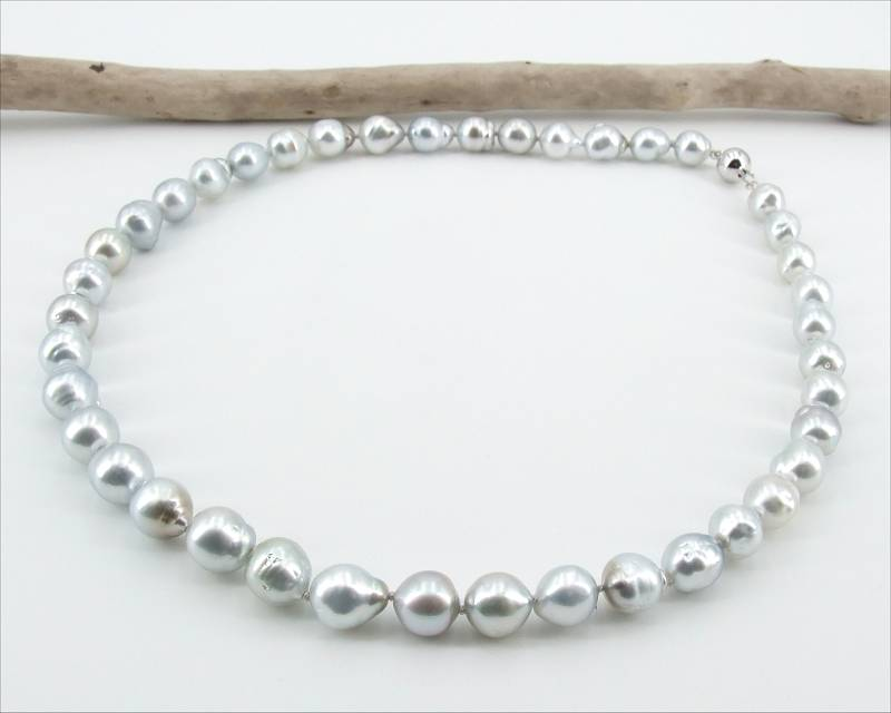 Drop Tahitian pearl necklace from Selectraders