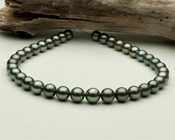 Tahitian pearl necklace Aola from Selectraders