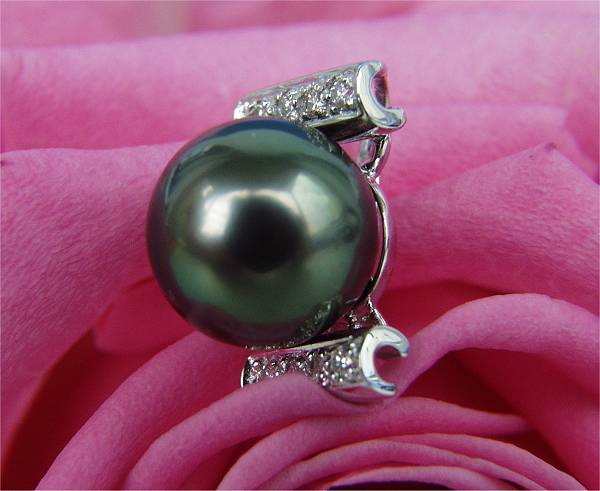 Dark Pearls at SelecTraders