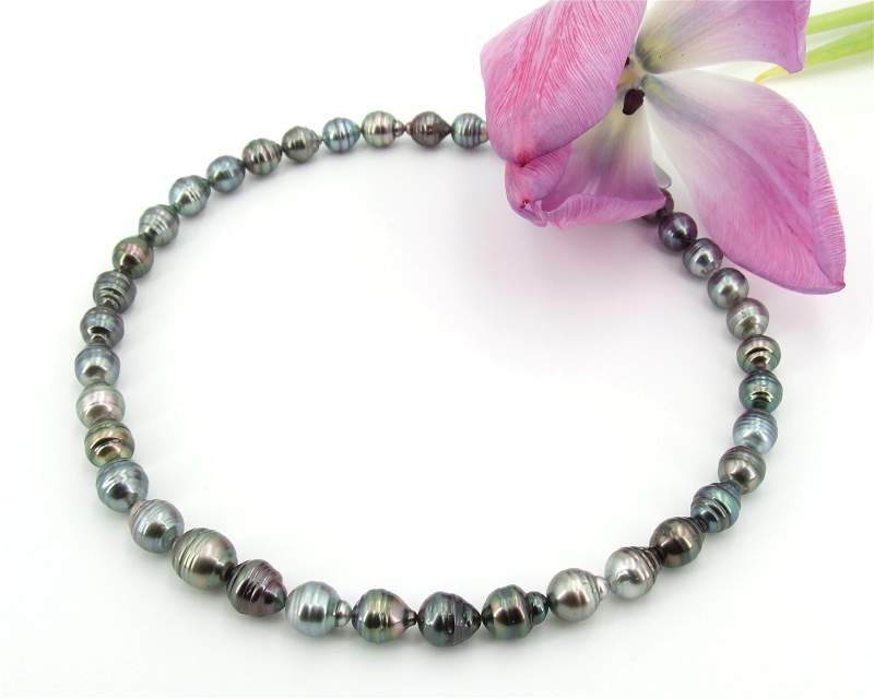 Baroque pearl necklaces at Selectraders