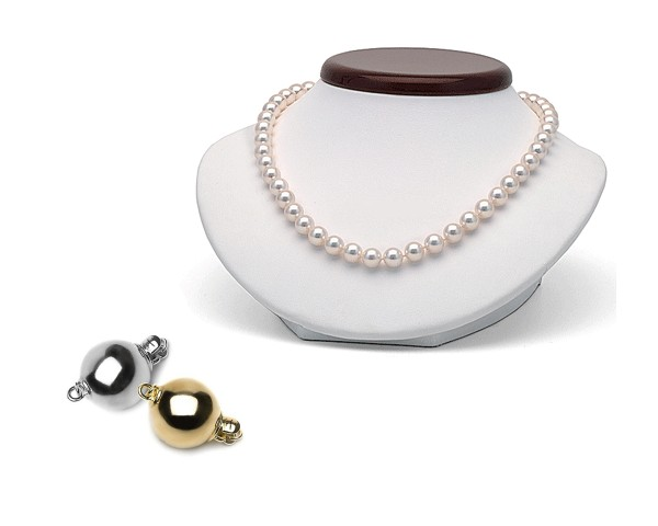 White pearl necklace at SelecTraders